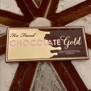 Too Faced Chocolate Gold eyeshadow palette!